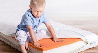 Какой матрас лучше для ребенка пружинный или беспружинный